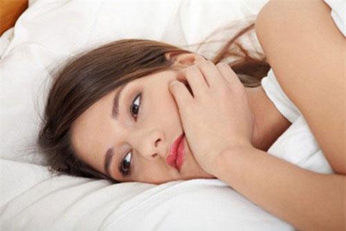 Cách điều trị khí hư ra nhiều có mùi hôi tanh